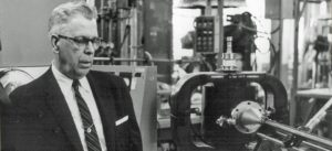 Кто изобрел микроволновку и когда. Биография Перси Лебарона Спенсера