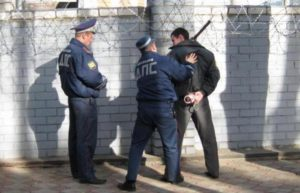 Неповиновение полиции статья. Чем отличается неповиновение сотруднику полиции от сопротивления согласно ук рф