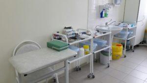 Обработка бактерицидной лампы в процедурном кабинете. Процедурный кабинет
