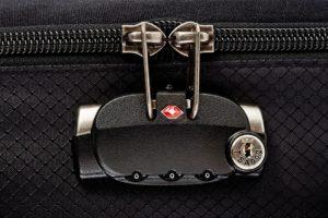 Сломался замок на чемодане что делать. Забыл код на замке чемодана или портфеля: что делать